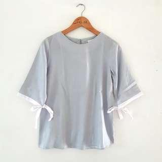 Ribbon sleeve top baby blue