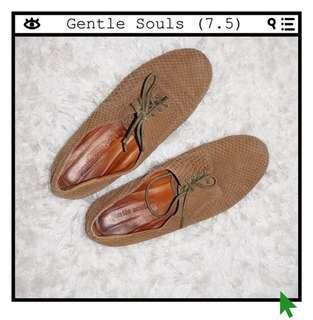 *Great Condition* Gentle Souls Lace-up Flats Women Size 7.5