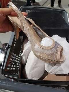 Matthews size 7 Formal sandals heels peep toe