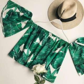 🚚 Palm-printed Off Shoulder Top
