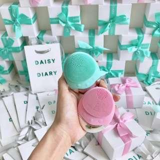 DAISY DIARY - Face Cleansing Device (FOREO DUPE AFFORDABLE)
