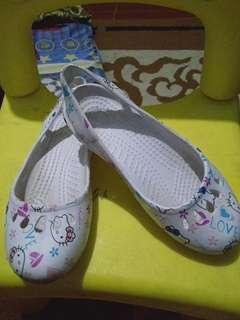 Sepatu karet size 28