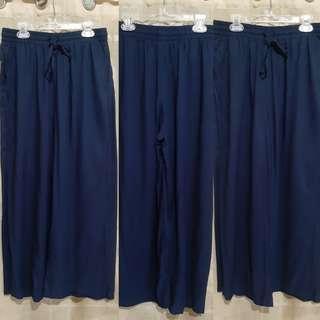 UNIQLO square pants