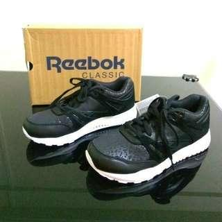 Reebok classic women ventilator sneakers shoes