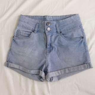 🚚 cotton on light denim shorts