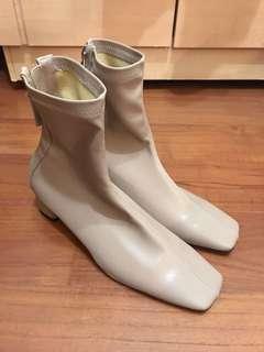 全新 正韓奶茶色方頭短靴(原價$1680)