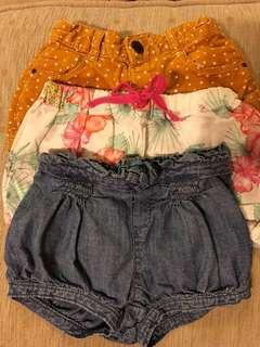 Bundle girls shorts x 3 shorts 18-24m