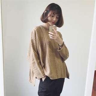 🚚 (任選3件350)奶茶色秋冬針織開叉毛衣