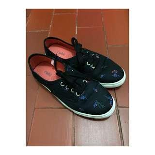 Sneakers by Rubi