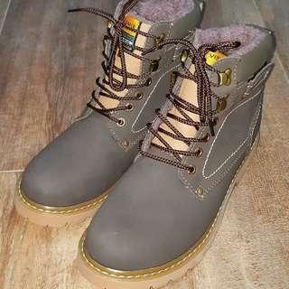 Winter insulated Boots EU size 44