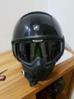 helm Shark warna Black