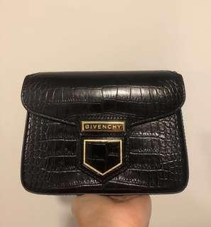 Clearance‼️ GIVENCHY Nobile Mini croc-effect bag 鱷魚壓紋 真皮 袋