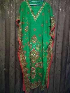 Kaftan baru dipakai 1 kali, beli di toko india Thamcit