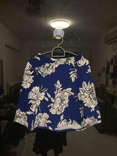 🚚 BOOHOO blue graphic floral skirt