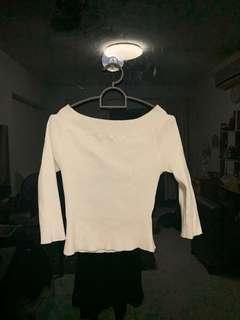🚚 TEMT off-shoulder ribbed white top