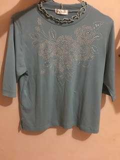 Thrift shirt / vintage style / nineties