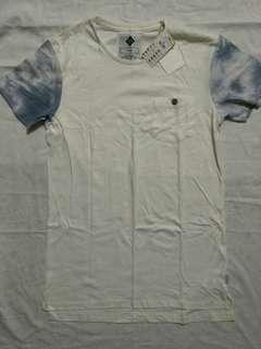 BNWT Cotton On Set In Sleeve T Shirt