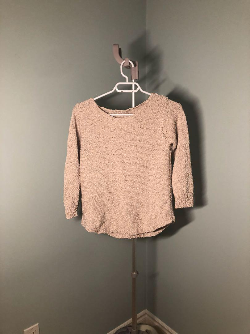 3qtr sleeve sweater that reminds me of ostrich skin
