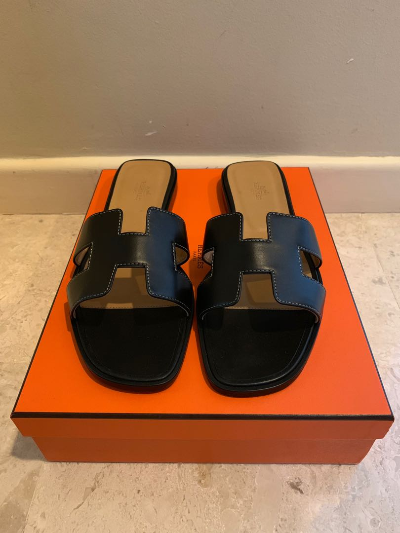 faa8e51868cd Authentic Hermes Oran sandals in black size 39.5