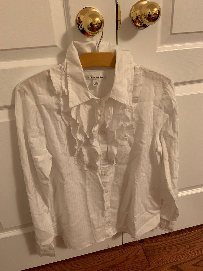 Brand new with tag. Banana republic dress shirt. Size L