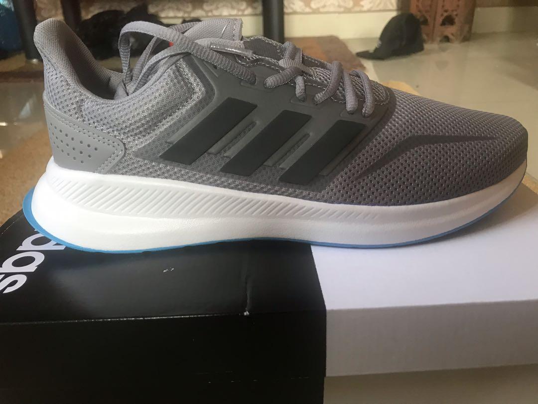 best sneakers 76d09 aa3ea runfalcon Fesyen di Lelaki Kasut Lelaki shoes Sneakers runni