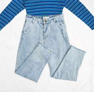 HW Light Washed Mom Jeans