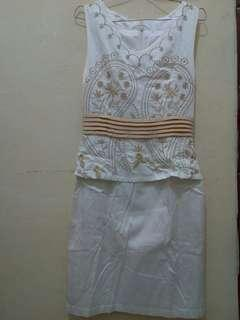 Dress broken white