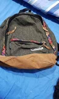 🚚 Outdoor camo colour backpack