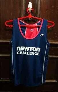 Newton female running vest Size S
