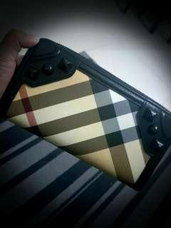 Burberry Studded Nova Check wallet