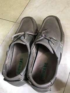 🚚 Shoes in new condition