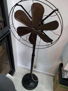 🚚 VINTAGE GE Stand Fan