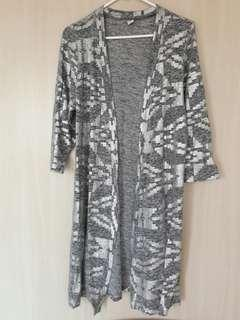 OLD NAVY Gray with silver print long coverup