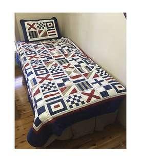 Bnip Alek & Luka sail the globe reversible quilted comforter single bed