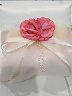 🚚 * BRAND NEW* Wedding ring pillow