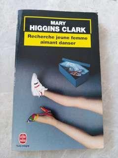 Recherche jeune femme aimant danser by Mary Higgins Clark in french