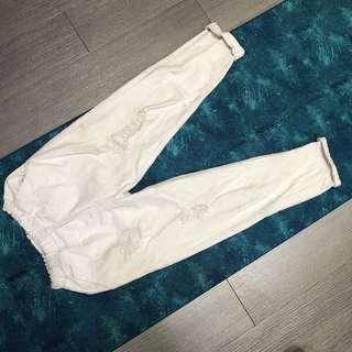 🚚 白色破褲