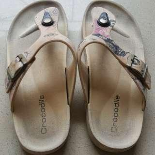 sandal crocodile