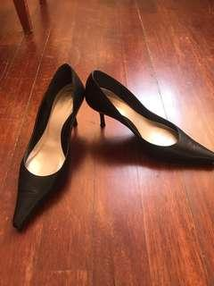 Full leather black heel from Japan size 22.5