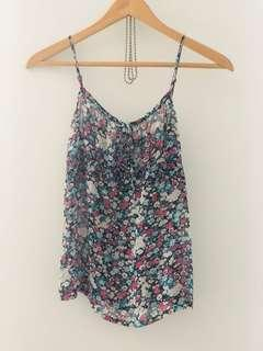 Floral top size 4-6