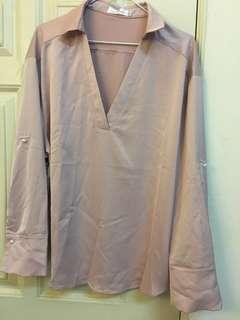 🚚 大v領 珍珠寬袖 絲質粉色襯衫