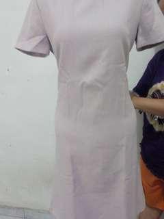 Dress soft purple fit to L kecil . Polos tapi bagus banget. No defect