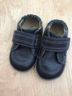 🚚 Baby Shoes robeez
