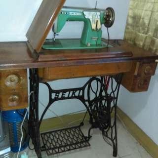 早期縫衣機