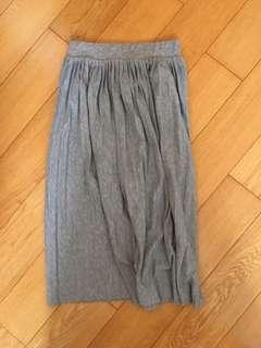 Pleated skirt in Grey 灰色半截裙