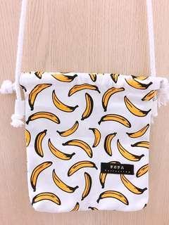 🚚 全新香蕉側背包