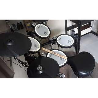 ROLAND Full Mesh TD-4KX Electronic V-Drums