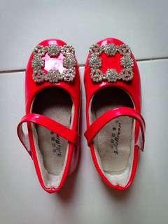 Sepatu anak usia 4th