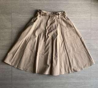 🚚 Nude / Khaki Midi Skirt