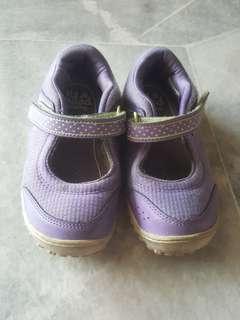 Original reebok girl shoe